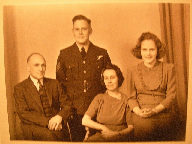 Heselton Family 1942